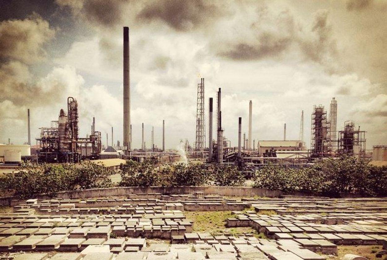 Afbeelding van Venezuela blijft raffinaderij Curaçao voorlopig beheren