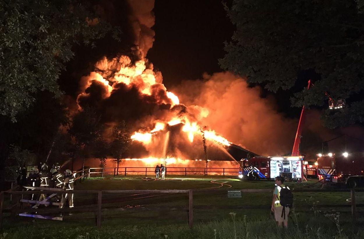 Afbeelding van Verzekeraars willen extra inspecties na stalbranden: 'we willen niet aan de zijlijn staan'