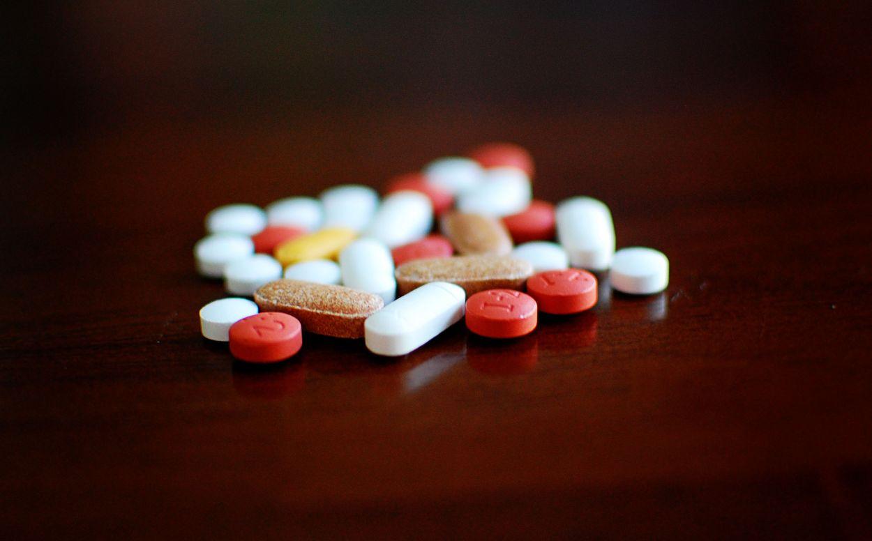 Afbeelding van 'Grof geld verdienen aan medicijnen over de rug van patiënten moet stoppen'