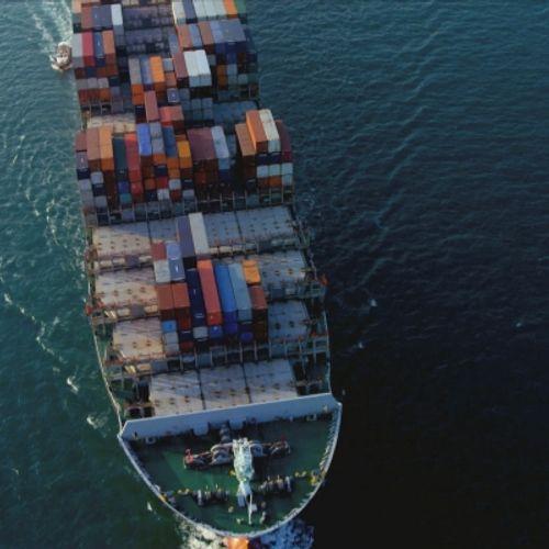 Afbeelding van Schip verliest vijf containers boven Ameland