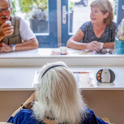Afbeelding van 'Geef verpleeghuizen ruimte om eigen bezoekersregeling te bepalen'