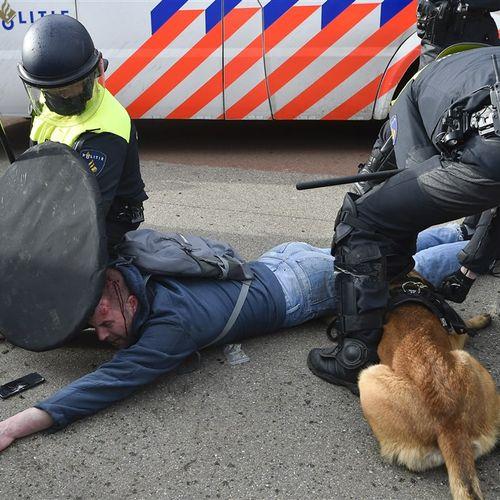 Afbeelding van Zes aangiftes en 120 klachten over politiegeweld Malieveld Den Haag