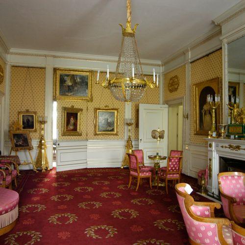 Afbeelding van Bijzondere meubels verdwenen uit Paleis Soestdijk